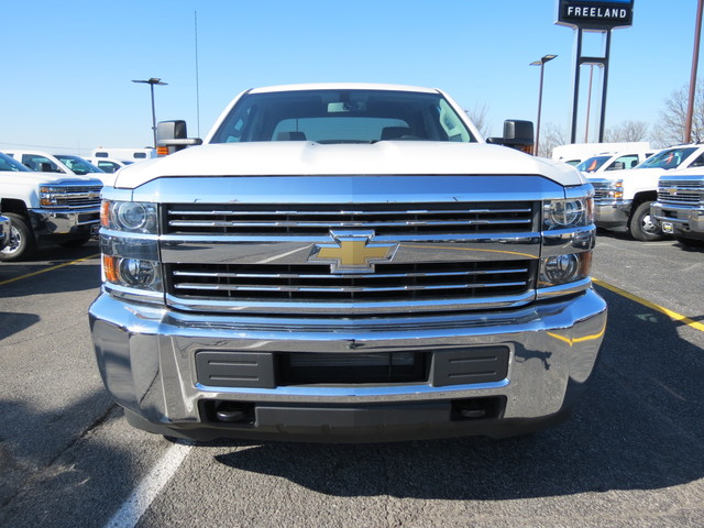 2017 Silverado 3500 Double Cab 4x4, Cab Chassis #FK1341 - photo 8