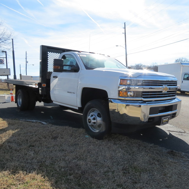 2017 Silverado 3500 Regular Cab DRW, Platform Body #FK1435 - photo 21