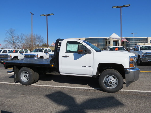 2017 Silverado 3500 Regular Cab DRW 4x4, Freedom Platform Body #FK1460 - photo 3
