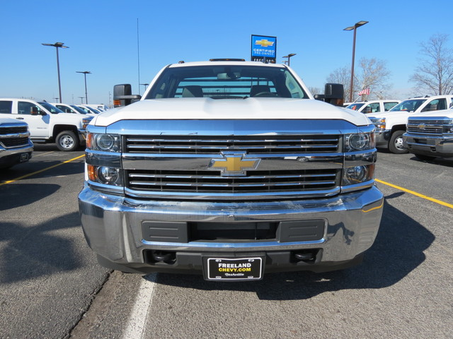 2017 Silverado 3500 Regular Cab DRW 4x4, Freedom Platform Body #FK1460 - photo 12
