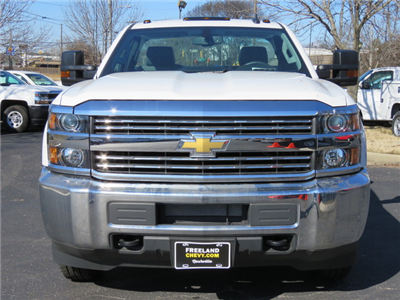2017 Silverado 2500 Regular Cab 4x4,  Palfinger Service Body #FK1483 - photo 8