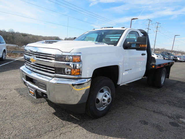 2017 Silverado 3500 Regular Cab 4x4,  Freedom Rodeo Platform Body #FK1929 - photo 6