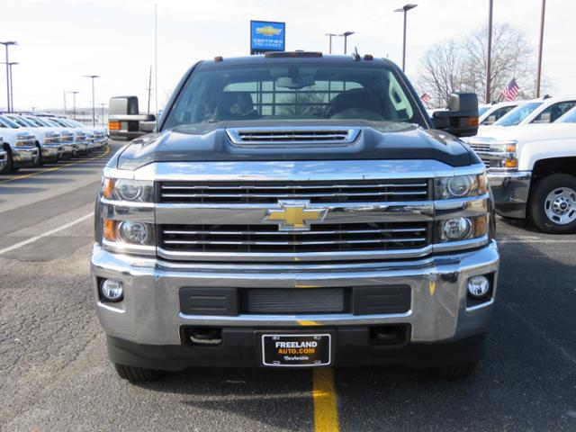 2018 Silverado 3500 Crew Cab DRW 4x4, Platform Body #FL1047 - photo 8