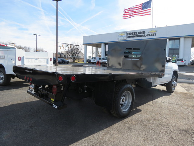 2018 Silverado 3500 Regular Cab DRW 4x4,  Freedom Platform Body #FL1154 - photo 2