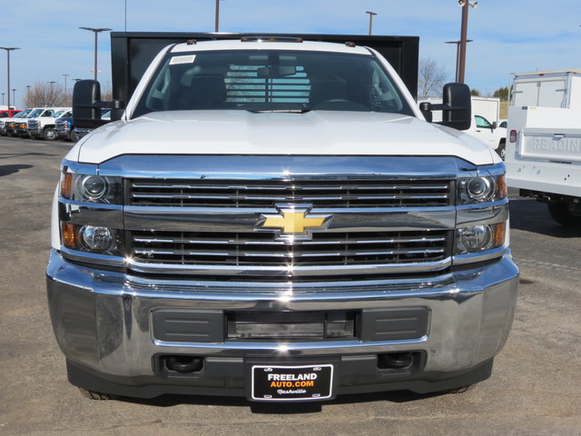 2018 Silverado 3500 Regular Cab DRW 4x4,  Freedom Workhorse Platform Body #FL1154 - photo 8