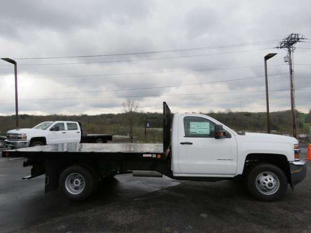 2017 Silverado 3500 Regular Cab 4x2,  Reading Platform Body #HF186234 - photo 4