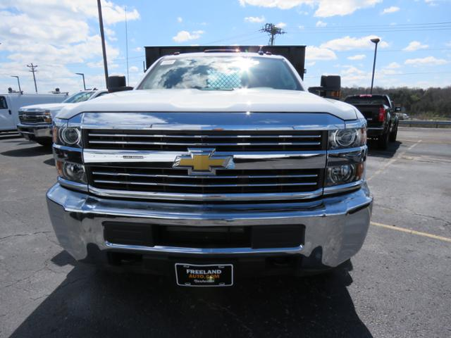 2017 Silverado 3500 Regular Cab 4x2,  Reading Platform Body #HF187723 - photo 7