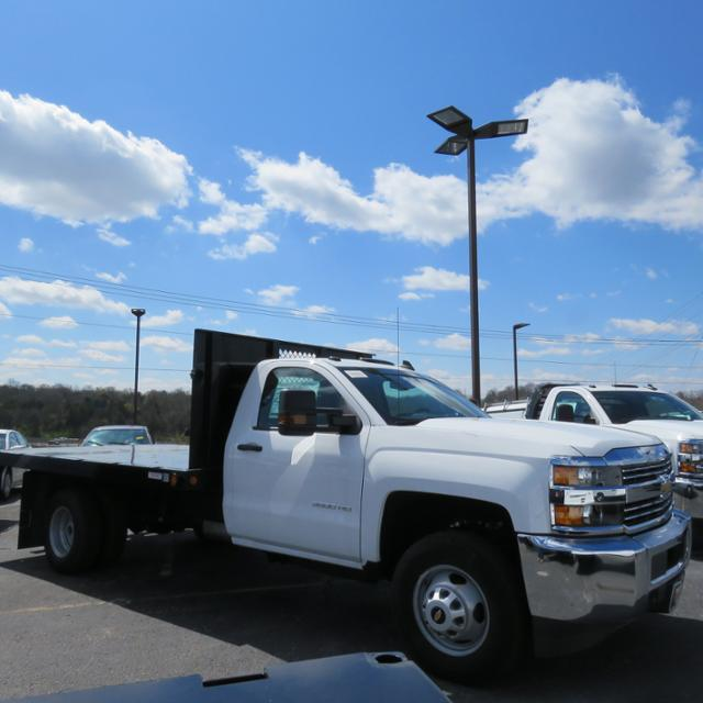 2017 Silverado 3500 Regular Cab 4x2,  Reading Platform Body #HF187723 - photo 18