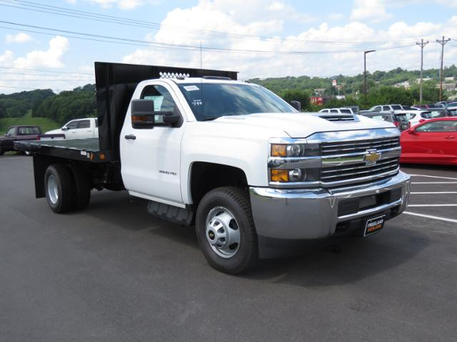 2017 Silverado 3500 Regular Cab DRW 4x2,  Reading Platform Body #HF241796 - photo 3