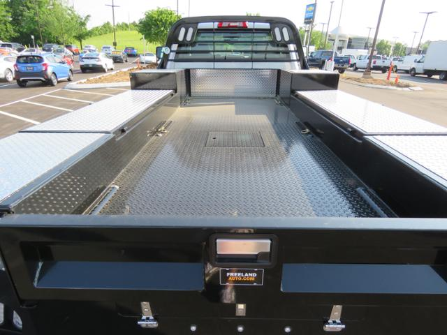 2018 Silverado 3500 Regular Cab DRW 4x4,  Hauler Body #JF211100 - photo 10