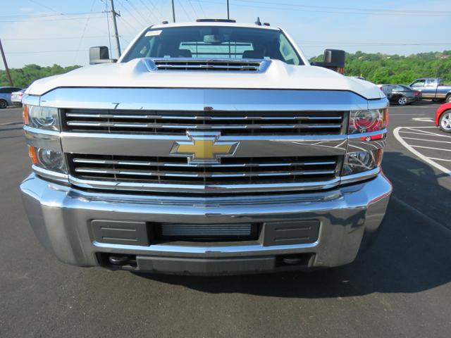 2018 Silverado 3500 Regular Cab DRW 4x4,  Hauler Body #JF211100 - photo 8