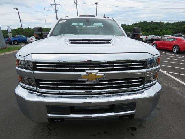 2018 Silverado 3500 Regular Cab DRW 4x2,  CM Truck Beds Platform Body #JF215762 - photo 8