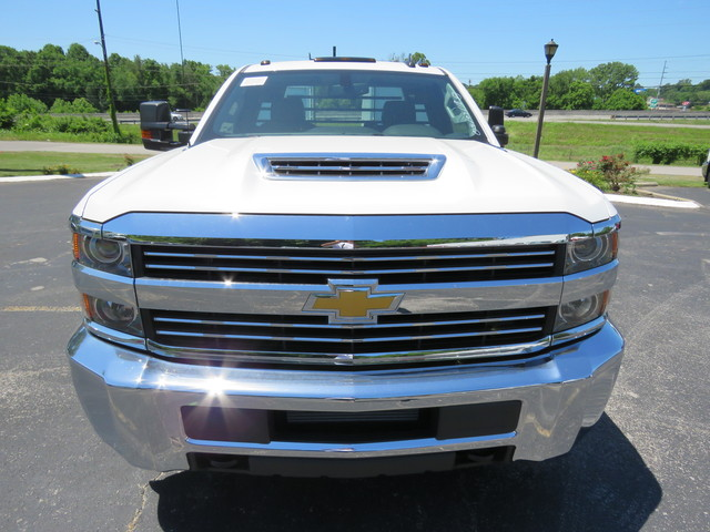 2018 Silverado 3500 Regular Cab DRW 4x2,  Hauler Body #JF215945 - photo 8