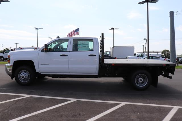 2018 Silverado 3500 Crew Cab DRW 4x2,  Commercial Truck & Van Equipment Gooseneck Platform Body #JF286455 - photo 7