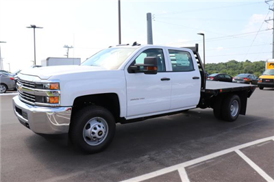 2018 Silverado 3500 Crew Cab DRW 4x2,  Commercial Truck & Van Equipment Gooseneck Platform Body #JF286455 - photo 1