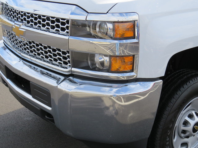 2019 Silverado 2500 Double Cab 4x2,  Reading Service Body #K1148068 - photo 9