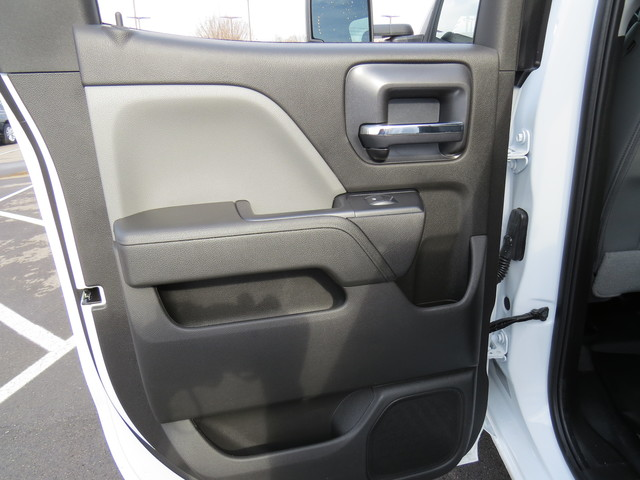 2019 Silverado 2500 Double Cab 4x4,  Reading Service Body #K1150219 - photo 23