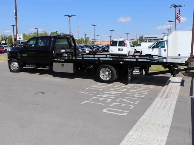 2019 Chevrolet Silverado 6500 Crew Cab DRW 4x2, Dual-Tech 1035 Rollback Body #KH312268 - photo 3