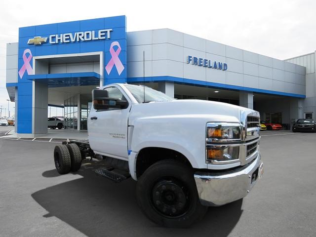 2019 Silverado 4500 Crew Cab DRW 4x2,  CM Truck Beds Contractor Body #KH863424 - photo 1