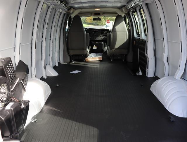 2021 Chevrolet Express 3500 4x2, Empty Cargo Van #M1153627 - photo 1