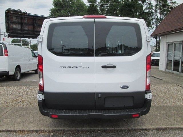 2016 Transit 250 Cargo Van #10479T - photo 7