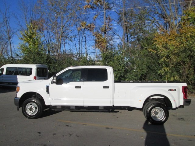 2017 F-350 Crew Cab DRW 4x4 Pickup #10504T - photo 25
