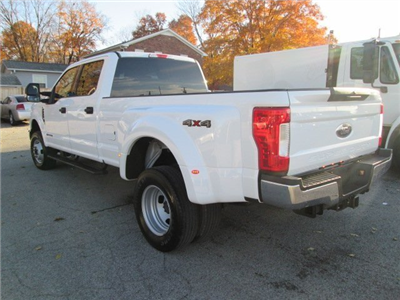 2017 F-350 Crew Cab DRW 4x4 Pickup #10504T - photo 2