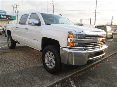 2017 Silverado 2500 Crew Cab 4x4 Pickup #10520T - photo 5