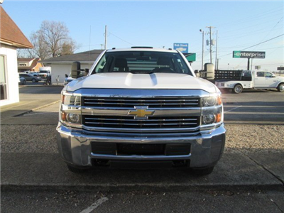 2015 Silverado 3500 Crew Cab DRW 4x4, Hauler Body #10529TA - photo 3