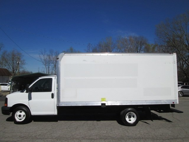 2011 Savana 3500, Cutaway Van #10574T - photo 20
