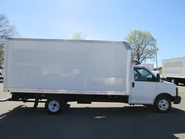 2011 Savana 3500, Cutaway Van #10574T - photo 5