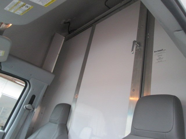 2015 E-350, Cutaway #10575T - photo 10