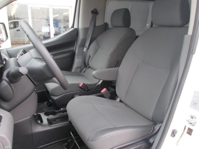 2017 NV200,  Empty Cargo Van #10628T - photo 10