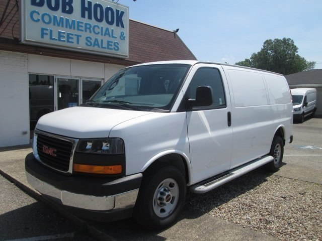 2017 Savana 2500,  Empty Cargo Van #10640T - photo 1
