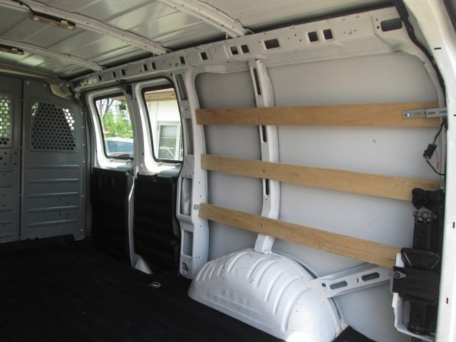 2017 Savana 2500,  Empty Cargo Van #10640T - photo 10