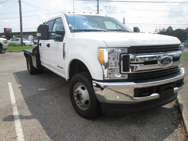 2017 F-350 Crew Cab DRW 4x4,  CM Truck Beds RD Model Platform Body #10709T - photo 3