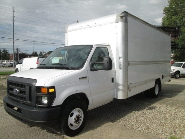 2014 E-350,  Cutaway Van #10714T - photo 2