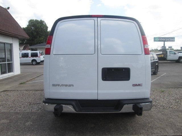 2017 Savana 2500,  Empty Cargo Van #10718T - photo 8