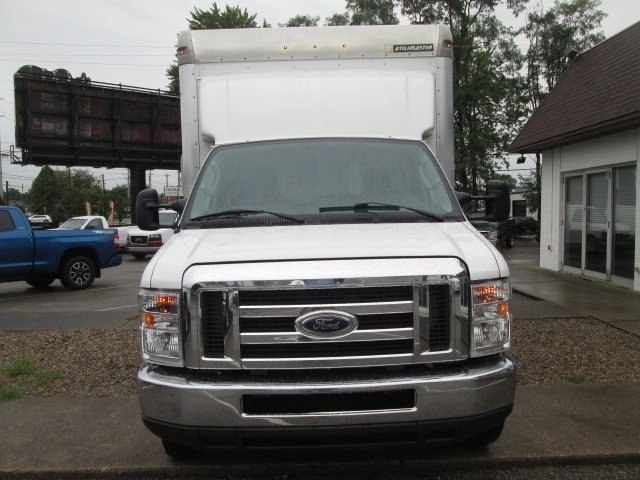 2016 E-350 4x2,  Cutaway Van #10735T - photo 4