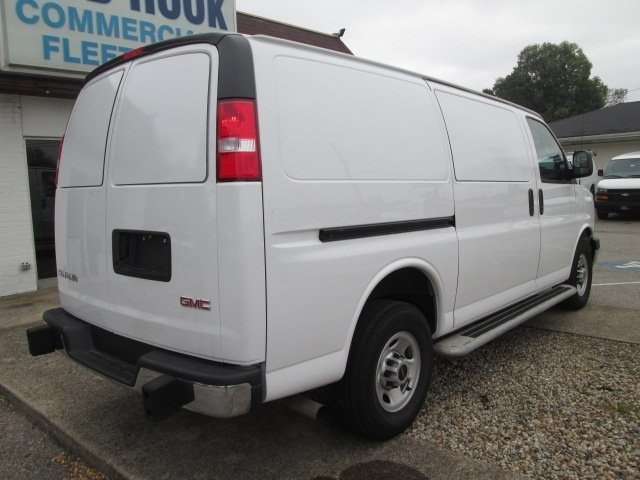 2017 Savana 2500,  Empty Cargo Van #10749T - photo 2