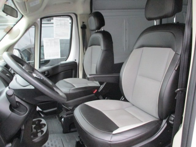 2017 ProMaster 2500 High Roof FWD,  Empty Cargo Van #10765T - photo 9