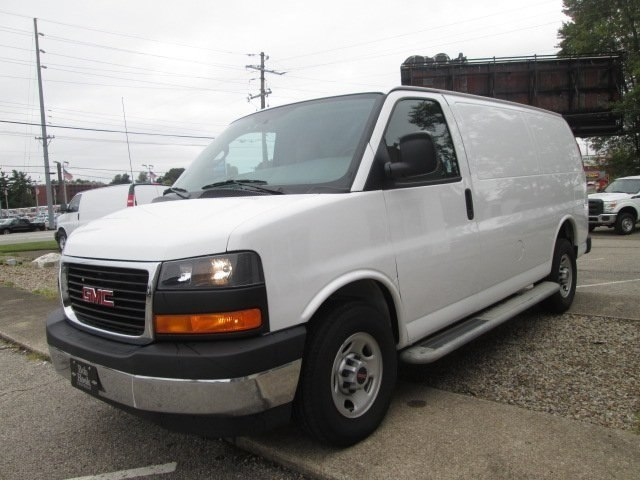 2017 Savana 2500,  Empty Cargo Van #10775T - photo 6