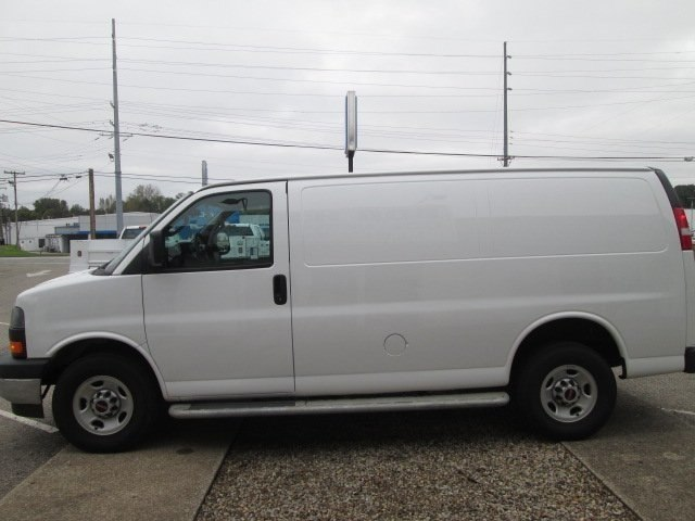2017 Savana 2500,  Empty Cargo Van #10775T - photo 7