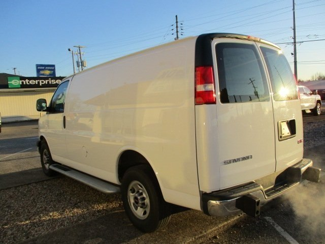 2017 Savana 2500,  Empty Cargo Van #10776T - photo 6