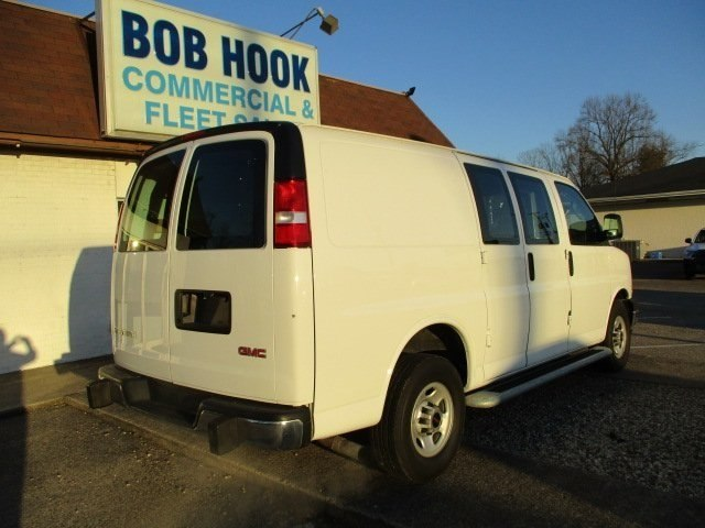 2017 Savana 2500,  Empty Cargo Van #10776T - photo 8
