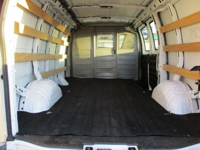 2017 Savana 2500,  Empty Cargo Van #10776T - photo 3