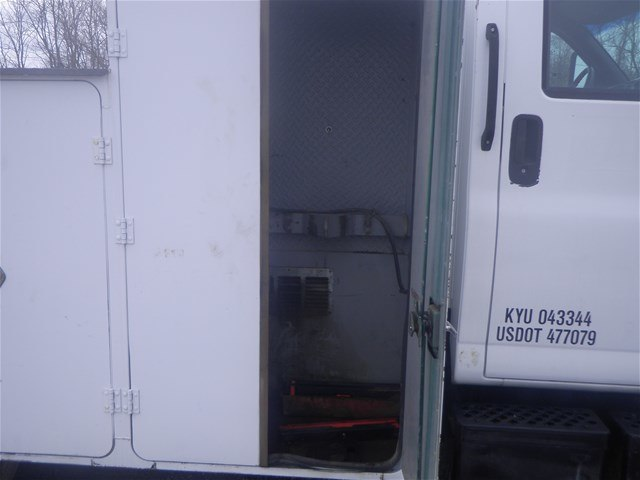 2003 C7500 Crew Cab 4x2,  Mechanics Body #11111 - photo 15