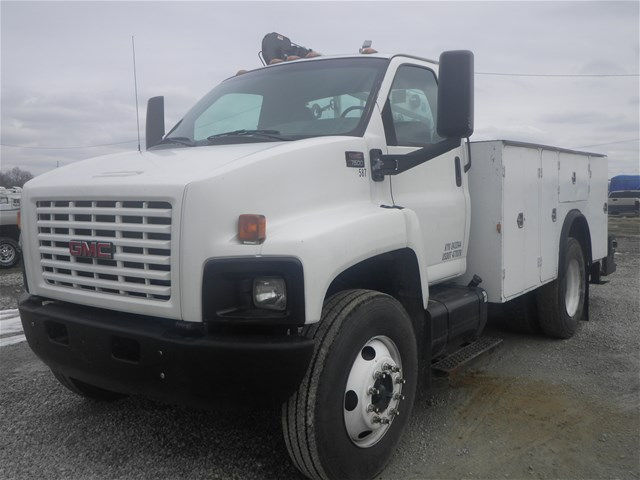 2003 C7500 Crew Cab 4x2,  Mechanics Body #11111 - photo 5