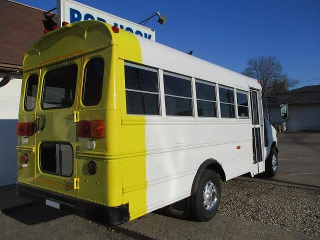 2006 Ford E-350, Other/Specialty #11276T - photo 1
