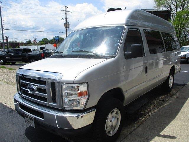 2013 Ford E-350 4x2, Passenger Wagon #11486T - photo 1